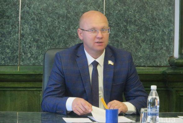 «Він же не вбив нікого»: в Хмельницькій міськраді відреагували на рішення суду, яким визнали винним Михайла Кривака
