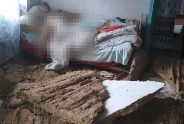 В будинку на Хмельниччині обвалилась стеля і придавила 54-річного чоловіка