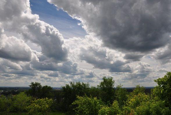 Хмарно і з дощами. Прогноз погоди у Хмельницькому на вихідні