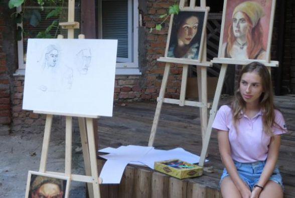 У Мистецькому дворику показали, як малювати портрет