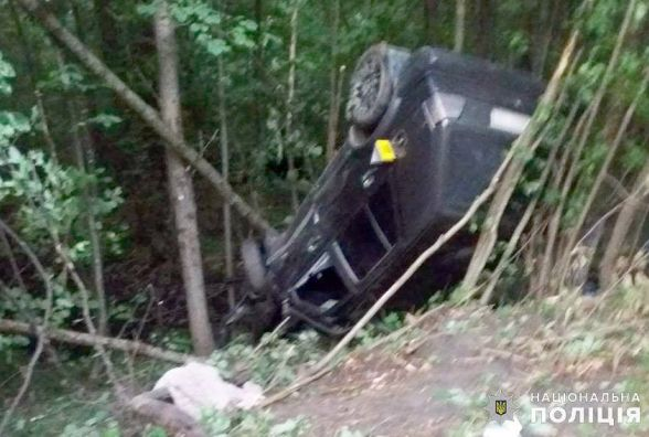 """Біля Шепетівки зіткнулися """"Volkswagen"""" та мотоцикл: двоє людей загинули"""
