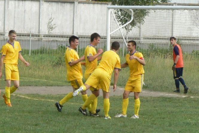 «Нива» вперше програє у чемпіонаті Хмельниччини з футболу