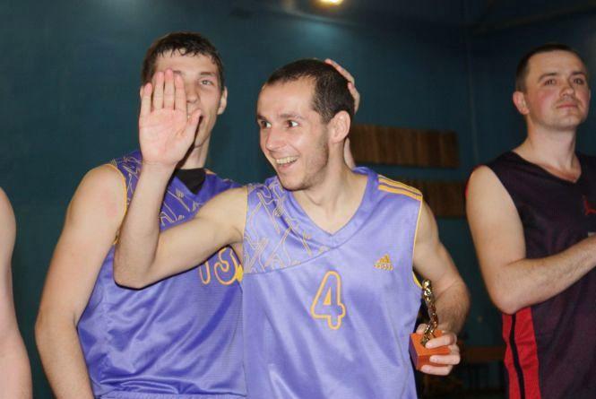Кубок Дроздова у Хмельницькому відкриватимуть «Феміда» та «Фенікс»