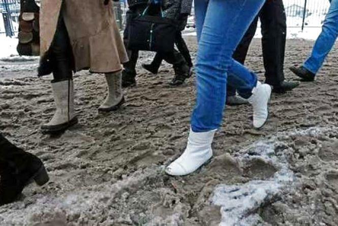 Як вберегти своє взуття, коли під ногами снігова каша
