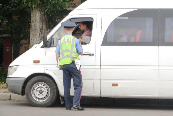 Куди поділись ДАІшники та хто слідкує за безпекою дорожнього руху на трасах Хмельниччини