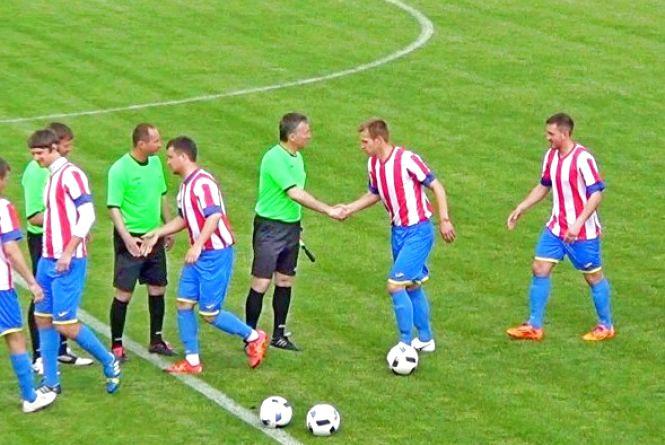 Хмельницька футбольна Прем'єр-ліга: віце-чемпіон оступається в Дунаївцях