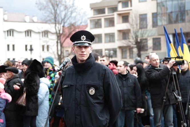 Патрульному з Хмельницького повідомили про підозру у побитті бійця АТО