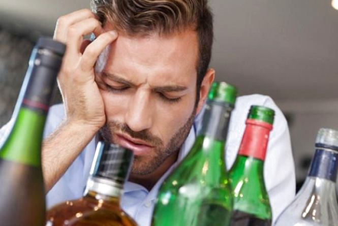 Щоб голова не боліла! Як позбутися похмілля після новорічної ночі