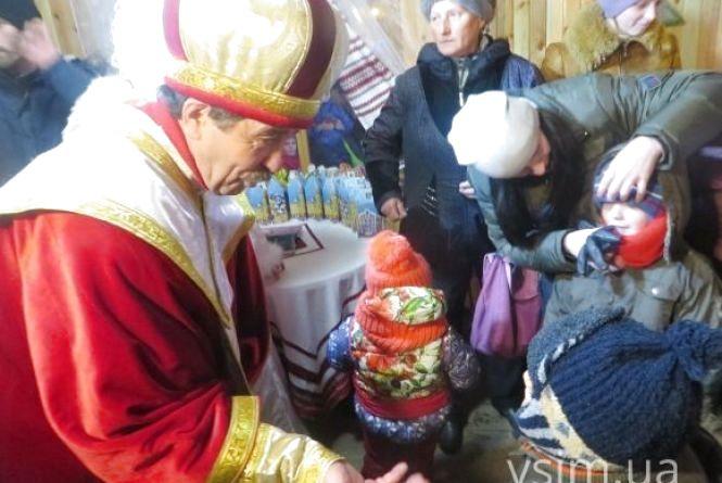 У новорічні свята для хмельничан проведуть новорічні ранки, змагання та вертеп