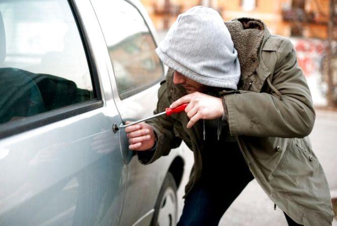 Молодика, який вкрав авто у Городоцькому районі, позбавили волі на 6 років