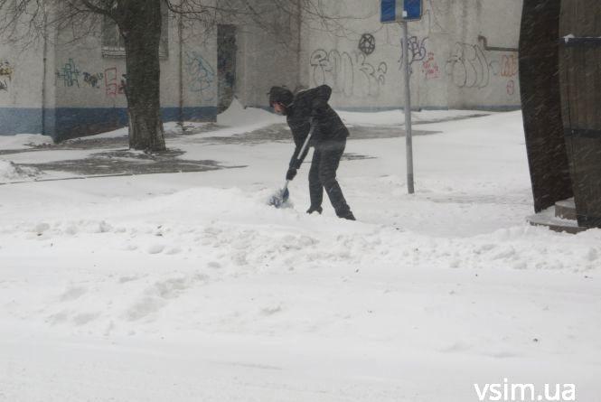 Чи прибирають сніг на вашій вулиці (ОБГОВОРЕННЯ)