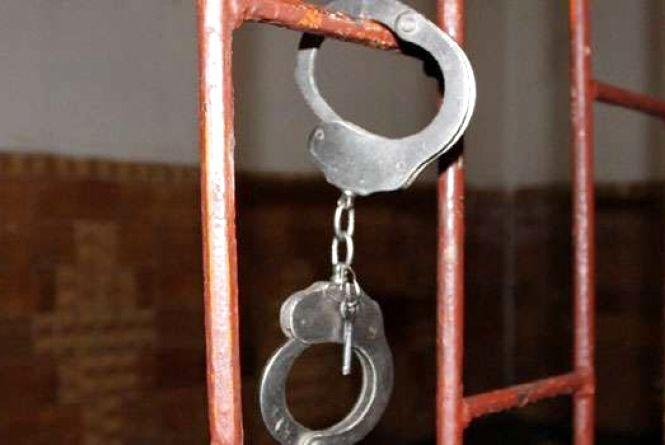 На Хмельниччині судитимуть чоловіків, які побили і зґвалтували жінку