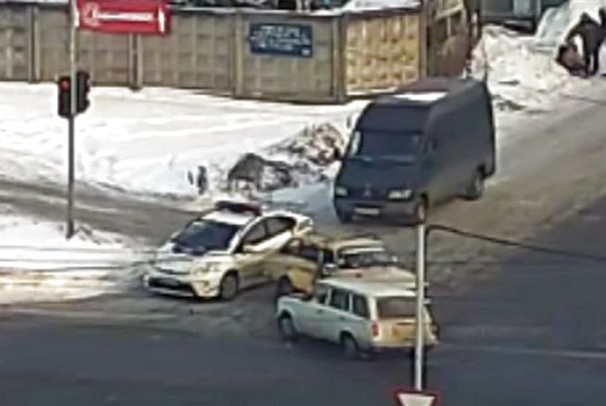 Побачили і оформили: на Трудовій перед патрульними сталася аварія (ВІДЕО)