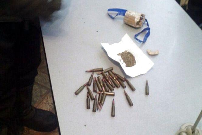 У Теофіполі в хуліганів знайшли набої і наркотики