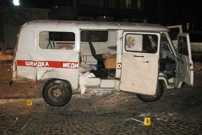 ДТП у Кам'янці: Водій «Mercedes» врізався в «швидку» і втік