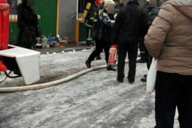 На ринку по Старокостянтинівському шосе горів кіоск