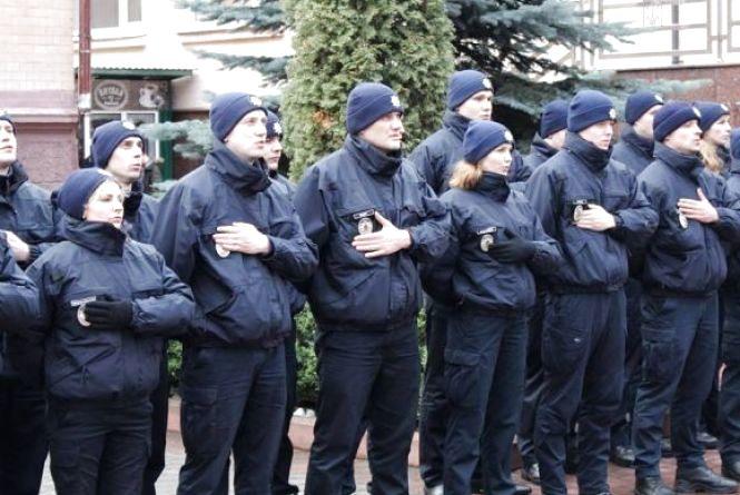 Набір у патрульну поліцію: хмельничани роблять помилки при заповненні анкет