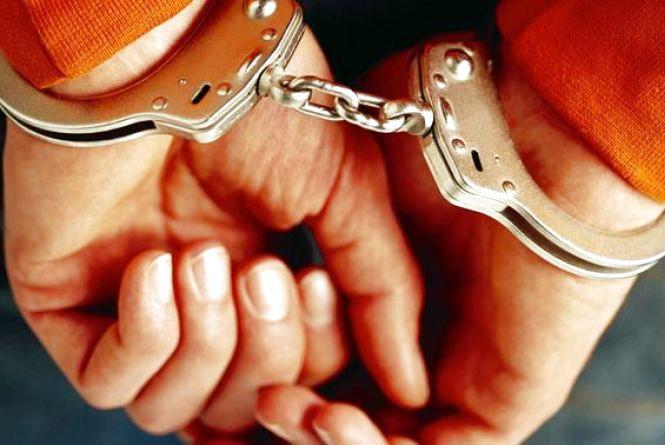 На Хмельниччині чоловіка, який задушив светром товариша, посадили на 14 років