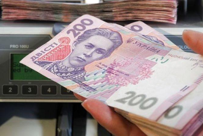 Власника швейного цеху у Хмельницькому оштрафували на 336 тисяч гривень за неоформлених працівників