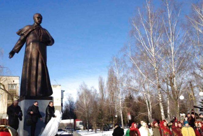 Ще один пам'ятник Шевченку з'явився у Старокостянтинові