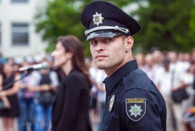 Продовжується набір до поліції: шукають інспекторів та працівників молодшого складу
