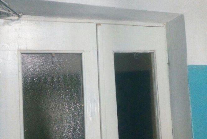 На Ранковій у під'їзді будинку викрали три світильники