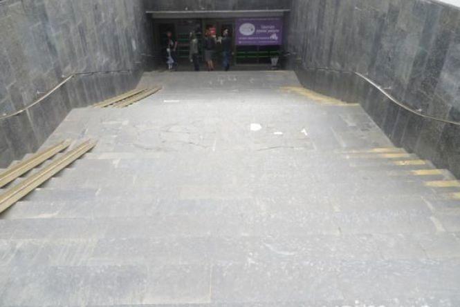 """У центрі Хмельницького задимілася """"підземка"""""""
