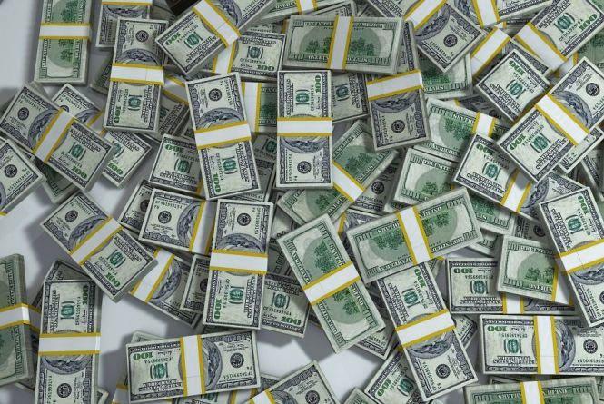 Долар росте – курс НБУ на 6 лютого
