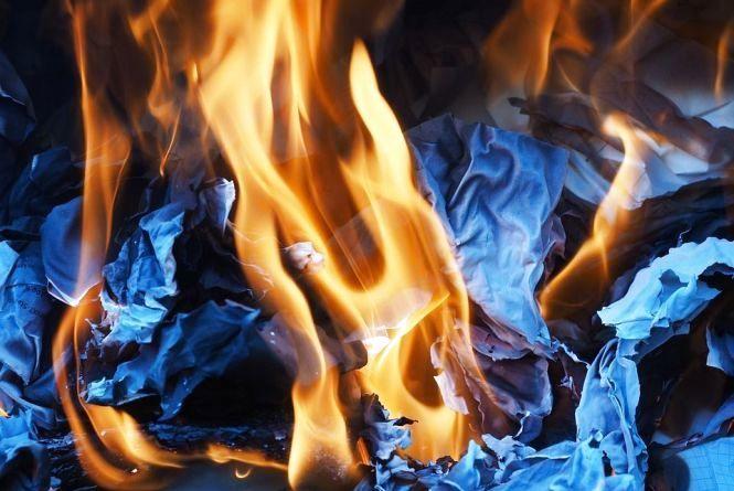 Під час пожежі на Хмельниччині знайшли тіло чоловіка