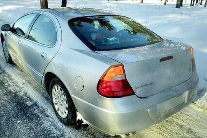 На Хмельниччині виявили «Chrysler» з підробними документами