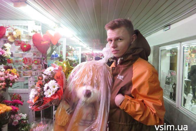 """""""Базарний день"""" для квіткарів: хмельничани викидають на букети більше 200 гривень"""
