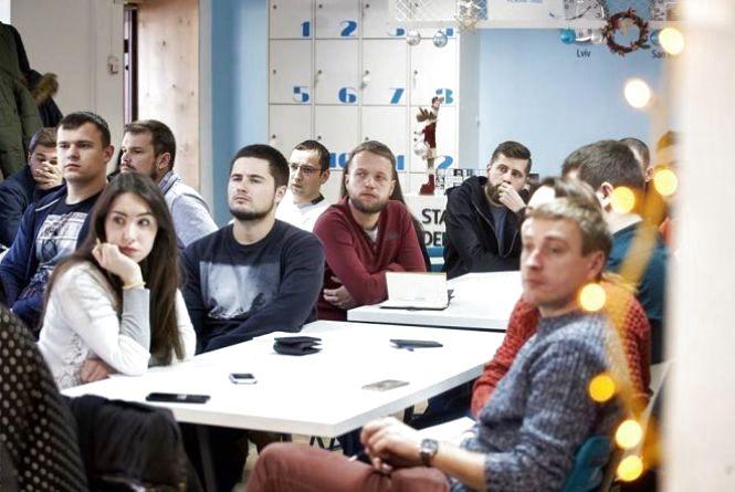 Підприємці прийматимуть іспити у студентів: в Україні хочуть запровадити дуальну освіту