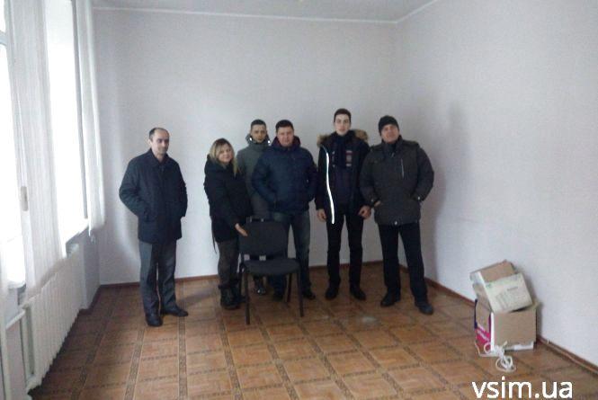 """Активісти не дочекалися Василя Грушка. Обіцяють прийти """"в гості"""" знову"""