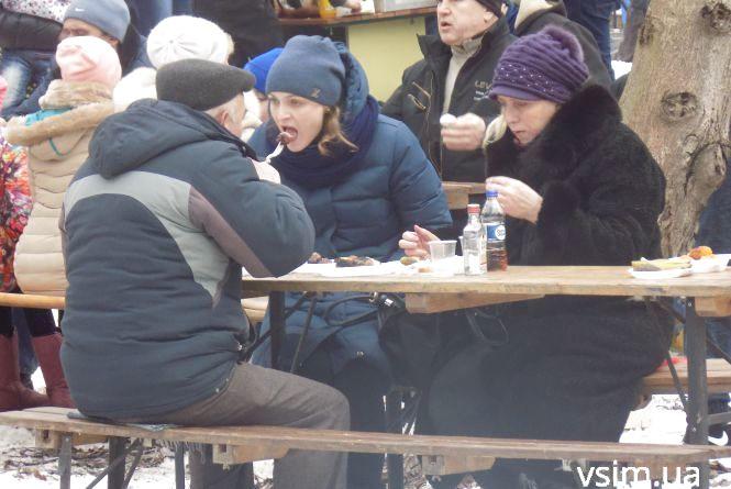 Хмельничани зустрічали весну з шашликом по 300 гривень та алкоголем (ФОТО)
