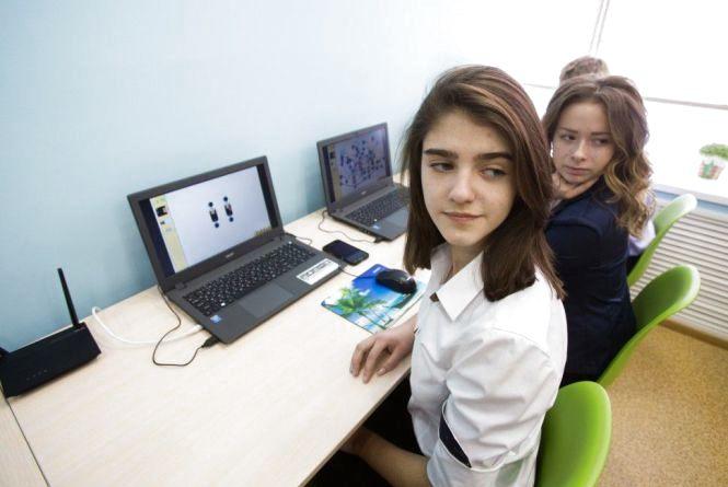 МОН запрошує вчителів розробляти програми для старшої школи