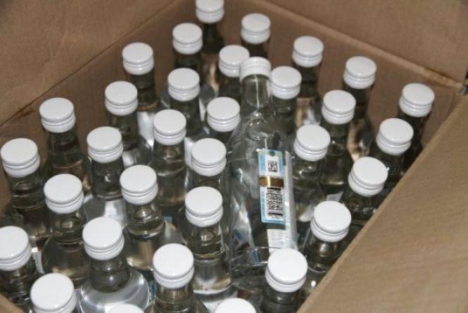 Хмельничанин може сісти на 5 років через «лівий» алкоголь