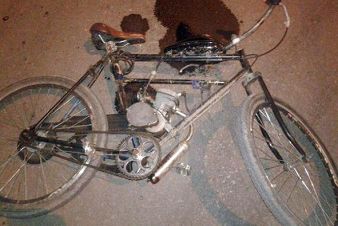 Біля продуктового ринку велосипедист збив пішохода і опинився в реанімації