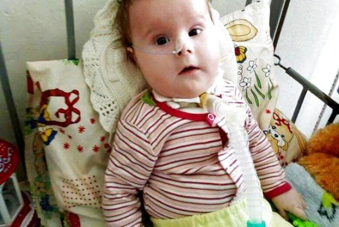 Маленька Богданка з Хмельницького потребує допомоги