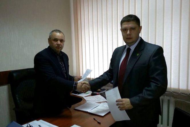 Через нового керівника Держпродспоживслужби Хмельниччини посварилися громадські активісти
