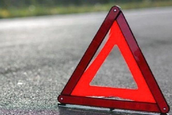 На пішохідному по Свободи іномарка збила дівчину