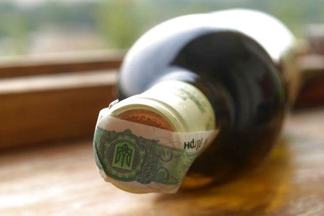 На Хмельниччині торговці сигаретами і алкоголем сплатили майже 600 мільйонів гривень штрафу