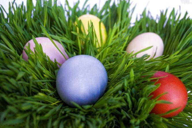 Як розфарбувати пасхальні яйця без «хімії»