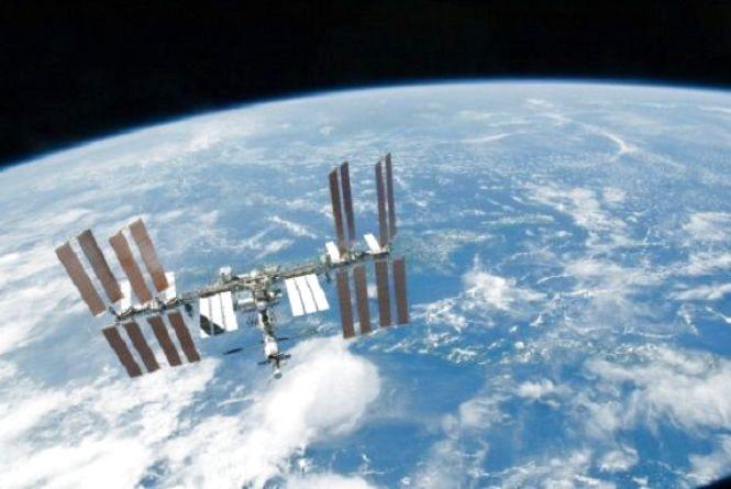 12 квітня - Всесвітній день авіації і космонавтики