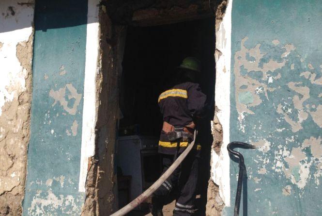 У Ярмолинецькому районі з вогню врятували чоловіка