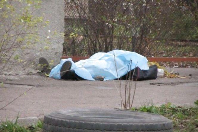 В парку Франка знайшли мертвого чоловіка. Тіло пролежало декілька місяців