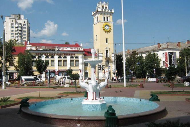 Туристичний сезон у Хмельницькому відкриють першою автобусною екскурсією