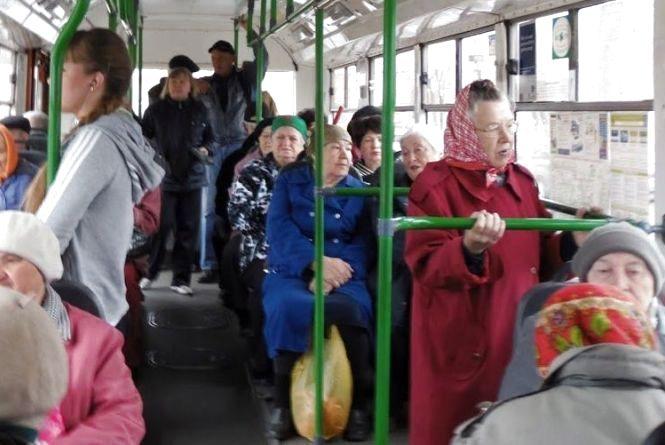 У мерії просять запровадити для пенсіонерів систему безкоштовних поїздок