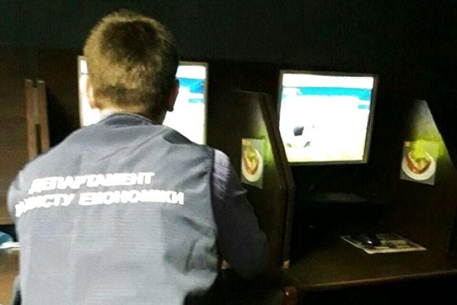 На Кам'янецькій та Львівському шосе прикрили чотири казино