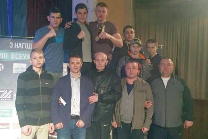Хмельницькі боксери стали третіми в Україні