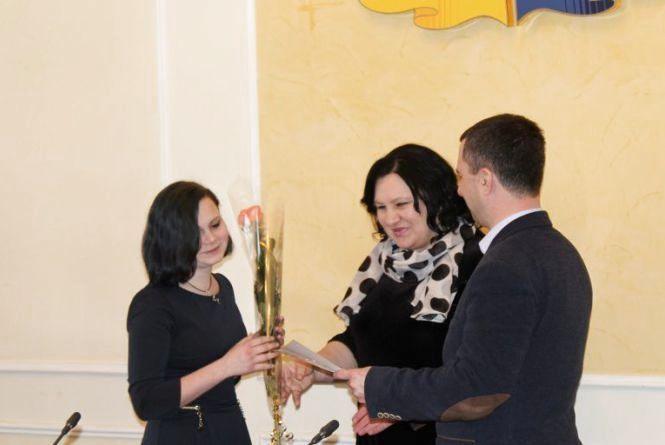 У Хмельницькому присвоїли стипендії обдарованим дітям і митцям